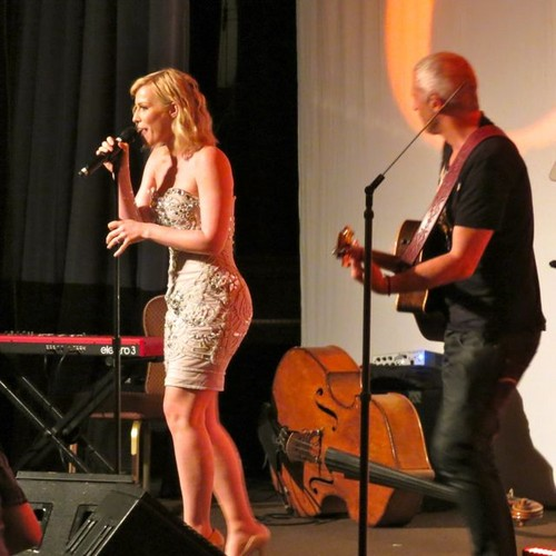 Natashs Bedingfield sings at the Lupus LA event